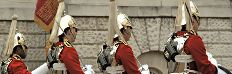 555 English School・Palace Guards on Horseback - London, England.